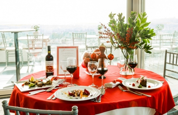 Christmas at the St. George Lycabettus (all-athens-hotels.com).jpg