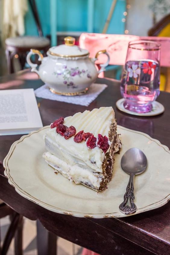 Cake at Lotte Cafe-Bistrot (facebook.com - Lotte-cafe-bistrot)