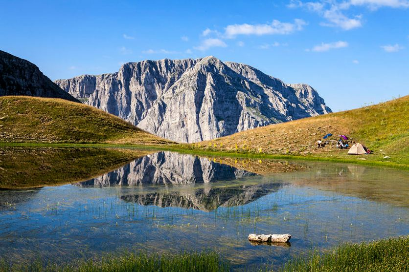 The Dragon Lake of Mt. Tymfi (seoreivaton.gr)